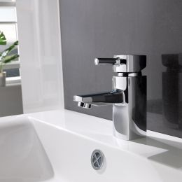 Wye Basin Mixer with Click Waste